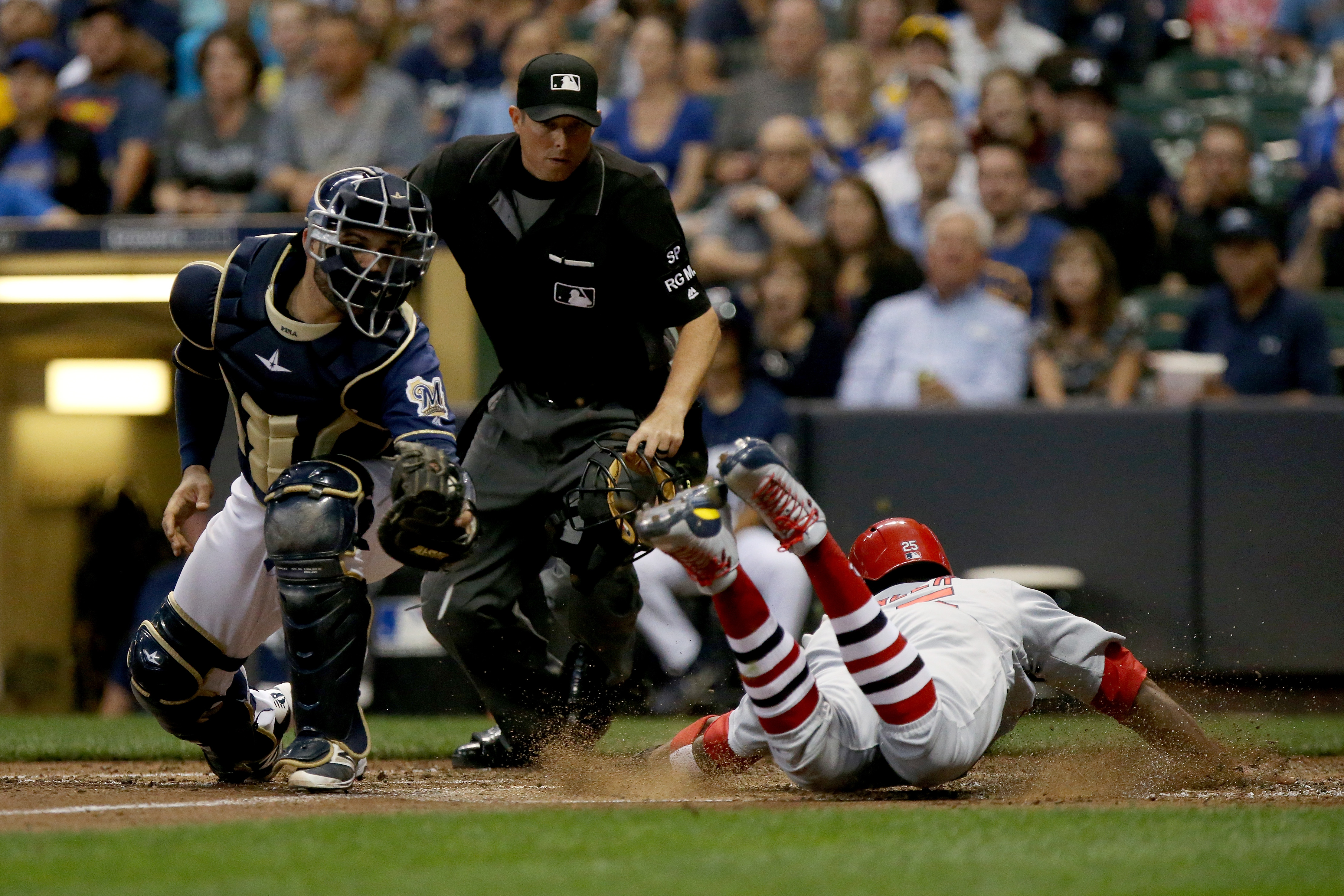 Keon Broxton robs home run, saves game for Brewers